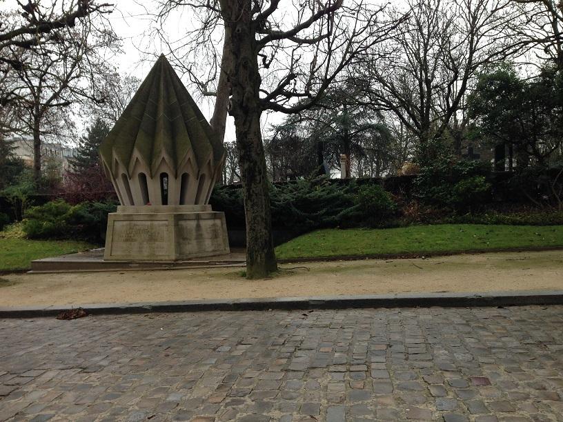 Exploring Paris: Père Lachaise Cemetery
